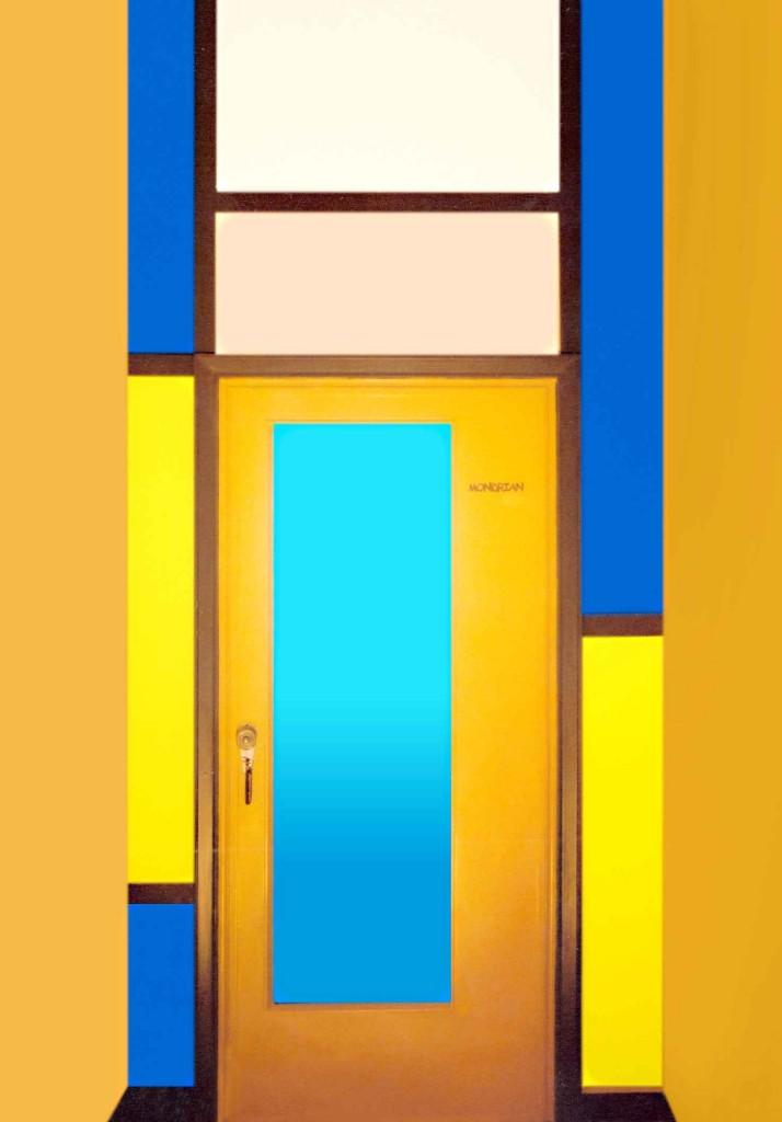 Porta d'ingresso alla Suite Mondrian