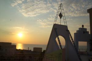 Rosone e porta d'oriente al tramonto